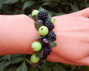 Summer berry charm bracelet - Fruit jewelry - Miniature Food Jewelry - summer jewelry - eco rustic wedding - Gift nature lover
