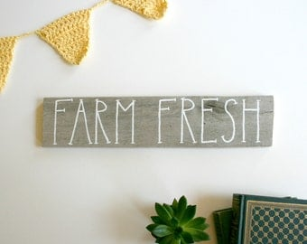 """Rustic Hand Painted Wood Sign - Reclaimed Pallet Wood Home Decor - """"Farm Fresh"""""""