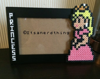 "Princess Peach ""Princess"" picture / photo frame - perler / hama beads"