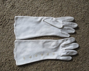 1960s Embroidered Gloves