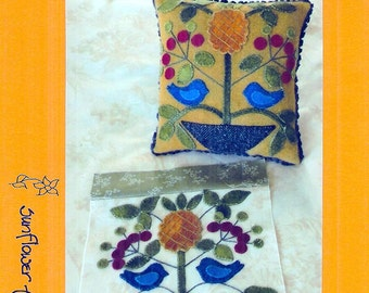 November Pineapple Antique Quilt Block & Pincushion by Sunflower Fields Pattern Company