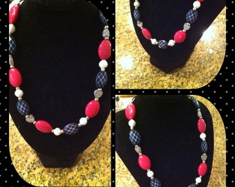 Beaded necklace that Looks like candy!