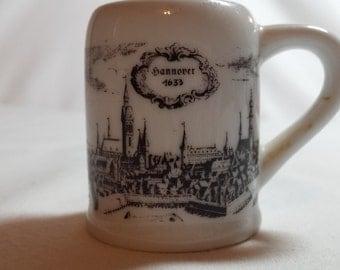 Mini Stein, Royal Porzellan, Bavaria, KPM, Germany, Handarbeit (Handwork), Hannover 1633