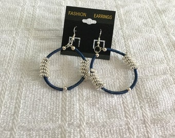 Silver and Navy Blue Hoops