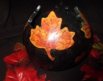 Leaf gourd bowl