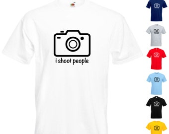 I Shoot People Mens/Adults Novelty Classic Fit Tshirt - Funny/Gift/Joke/Secret Santa/Camera/Photographer/SLR/Photo