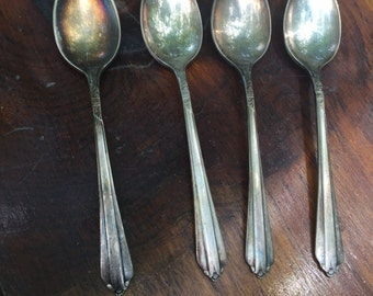 Vintage WM Rogers IS Teaspoon