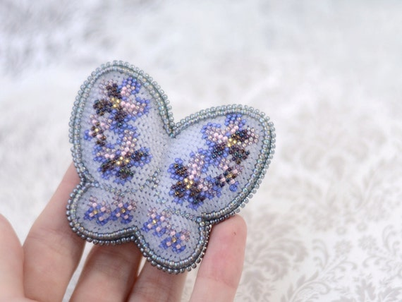 Bead embroidery brooch beaded by bebeadsful