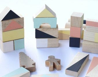 24 blocs de bois en couleurs mixtes emballés en cadeau de Noël sac - cadeau de jouets en bois - blocs de construction - enfant - coton pour les enfants - bébé bloc