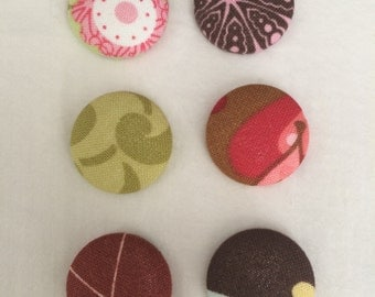 Set of 6 fabric covered buttons refrigerator magnets