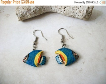 ON SALE Vintage 1950s Colorful Fish Wood Earrings 92816