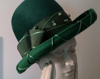 Vintage Ladies Hunter Green Felt High Crown  Fedora by Mr. Dennis