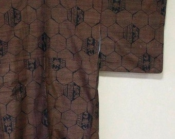 Pure silk kimono hexagon pattern
