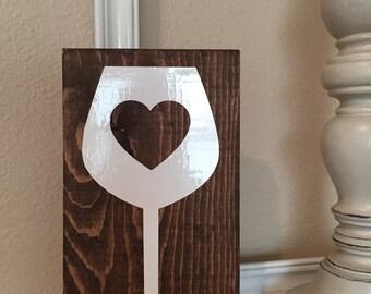 I heart wine glass sign
