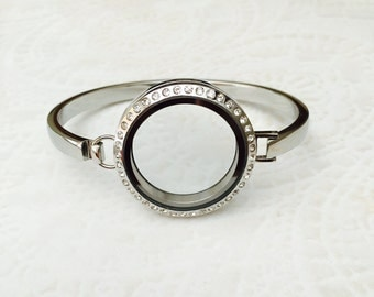 """Large 30mm Memory Locket Bangle Bracelet stainless steel with crystals 7"""""""