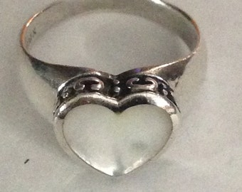 Sterling silver mother of pearl hear ring size 8