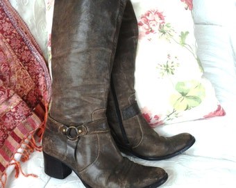 grey leather knee-boots size 40