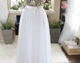 White Long maxi tulle skirt / White floor length skirt / Bride Tulle Skirt / Custom Made Zipper Skirt / Wedding Bridal Skirt / White tulle s