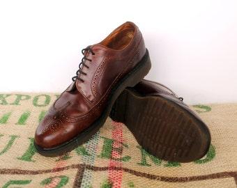 Dr Doc Martens Brown Brogue shoes - 80's Vintage Original Made in England – Size uk 10 US M 10.5 US L 12 – Wingtip Oxford