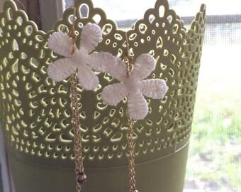 Flower lace with gold chain earrings. Boho. Festival. Coachella. Dainty drop earrings.