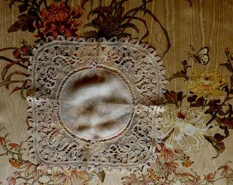 Antique Flemish bobbin lace hankie. 1880s. - fine linen - antique lace - hand made lace - lace handkerchief - wedding hankie - fine lace
