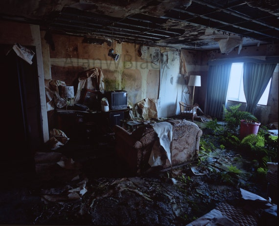 Abandoned Room Photography Hotel Room Decay Urban Explore
