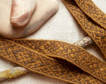 Tablet woven band, trim, brown and orange, naturally plant dyed wool trim. Viking reenactment, medieval clothing.