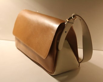 small vintage leather handbag made in Italy