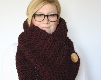 Chunky Knit Crochet Neckwarmer Cowl >> THE ANAMOOSE << Claret
