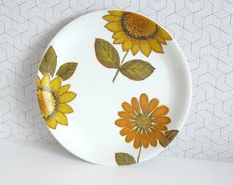 Alfred Meakin Sunflower glo-white ironstone dinner plate
