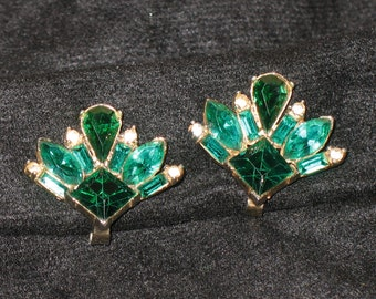 Signed Bogoff Green Princess Marquis, Baguette Pear shaped Cut Rhinestone Clip On Earrings
