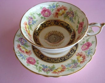 Lovely Vintage PARAGON Floral Cup & Saucer.