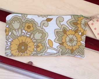 """Large Coin Purse. Made From Vintage Floral Fabric. Green,White,Yellow Floral Print. Upcycled, Recycled, Repurposed. 6.5""""x3.5"""".Fully Lined"""