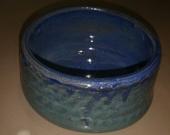 Teabowl in blue and dark green