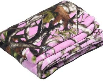 "Pink Camo Classic Fleece Throw (48"" x 60"")"