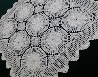 Small Vintage Ivory Cotton Lace Crocheted Square Tablecloth. Cotton Lace Tablecloth. RBT0760