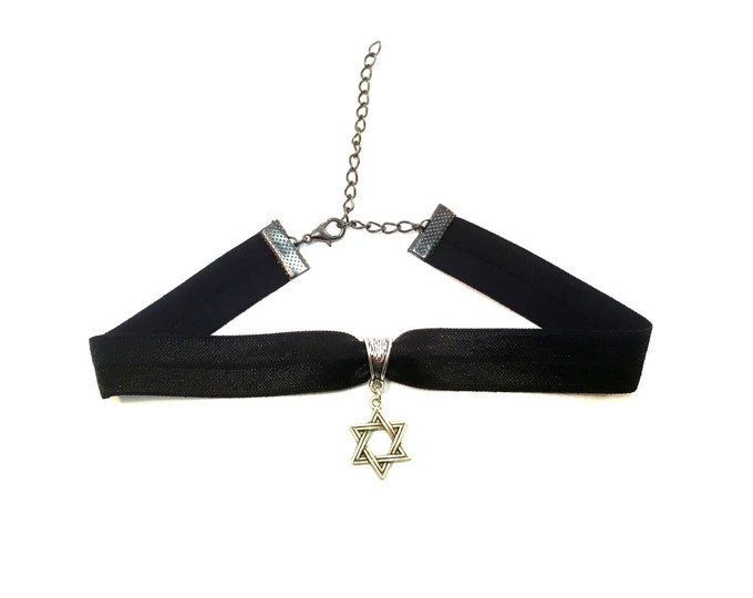STAR OF DAVID: black elastic magen david choker