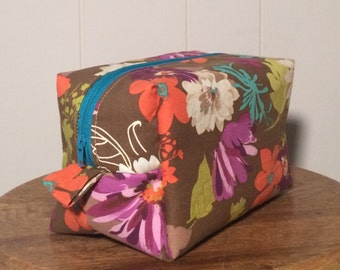 Zippered Box Pouch - Floral / Gift for mom, sister, grandma, friend