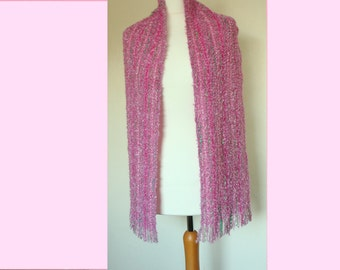 Scarf knitted