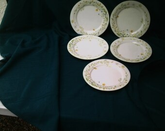"""Vintage 5 Noritake China Dinner Plates 10 1/2"""" Reverie 7191 Green Trim Perfect Wildflowers & Butterflies on Rim with green trim"""