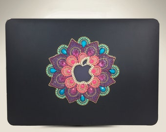 "Luxury Mandala Design Macbook Pro 13.3"" (Retina Display) Case Model: A1502 / A1425"
