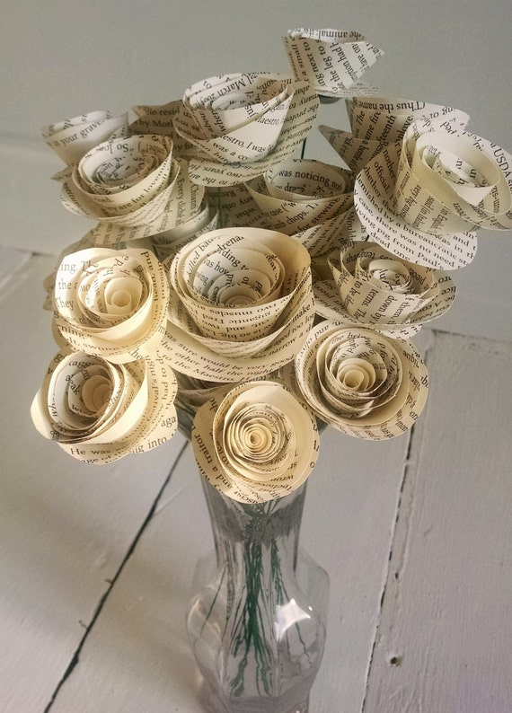 Book Page Roses - Set of 30 - Stemmed Roses - Book Themed - Wedding Flowers