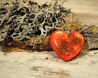 Stunning red heart pendant