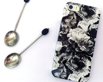 Floral iphone 5 case, Roses iphone 5 case, flowery iphone case, vintage iphone 5 case, iphone 5 case, cute iphone 5 case, Floral print