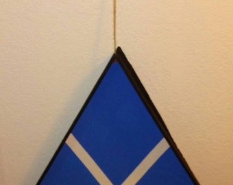 Triangle Knick Knack Shelf