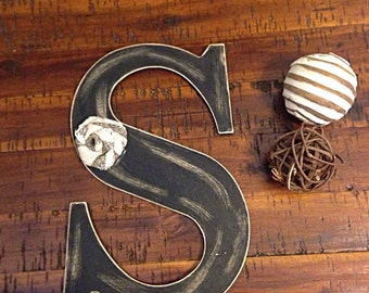 Distressed wooden letter | letter S | wooden letter | letter with burlap
