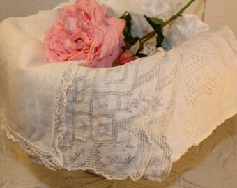 Handkerchiefs feminine vintage, together in fabric: soft white
