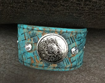 Concho Leather Cuff bracelet with rhinestones