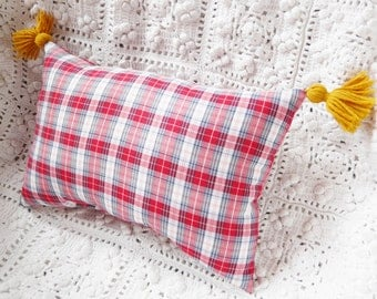 Scottish red and white 20X30cm cushion with PomPoms in curry yellow wool by House aunt CATH