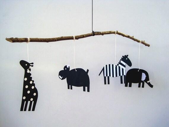 Neugeborene Baby Tier Mobile, schwarz-weiß, Büttenpapier und Holz ...